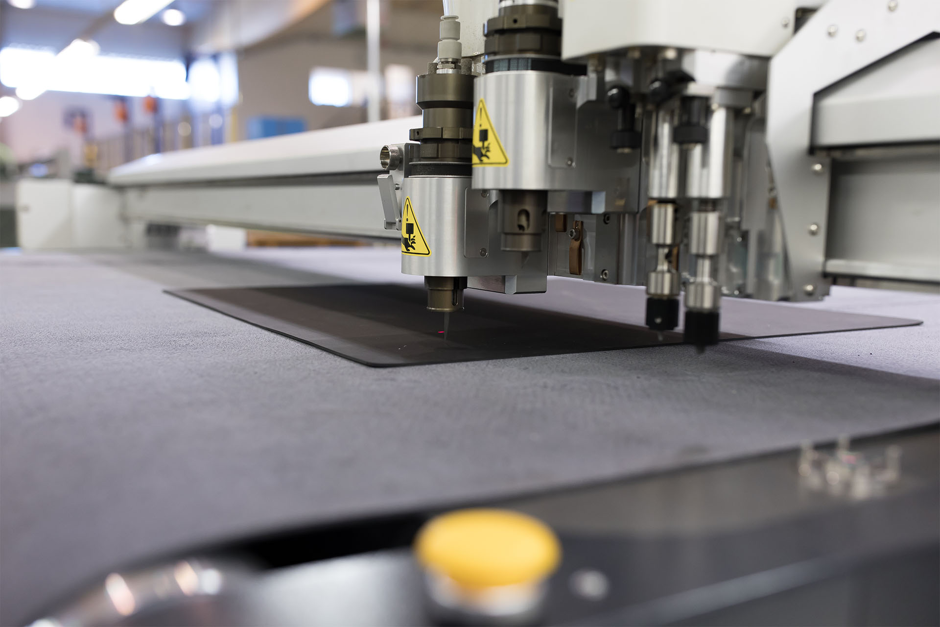 Our New Cutting System Cuts Sealing and Insulating Materials Fast and with High Precision!