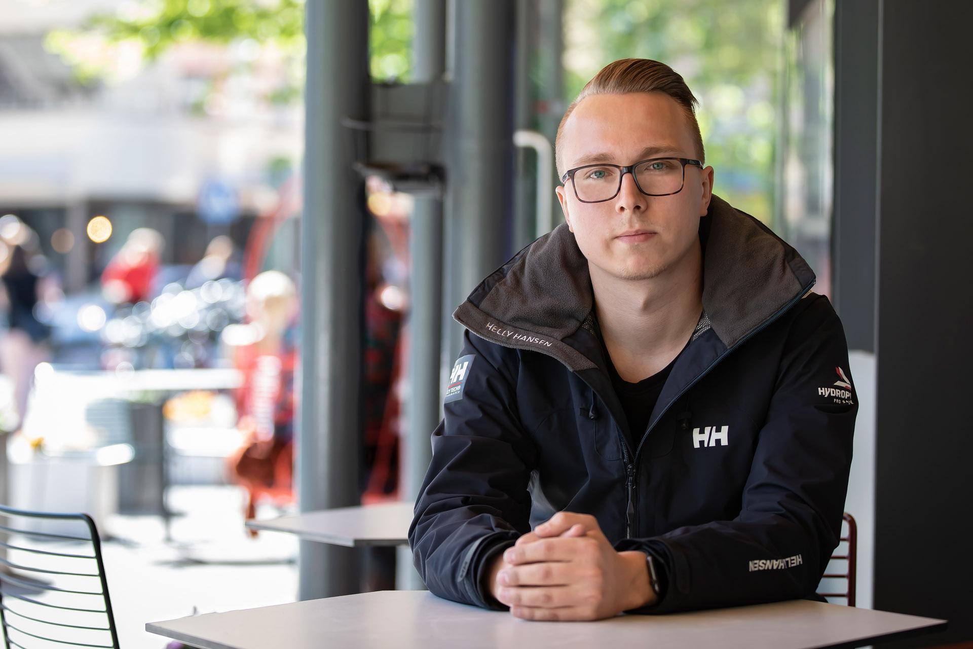 """Joonas Vikström teki opinnäytetyön FinnProfilesille: """"Hienoa tietää, että työstäni on hyötyä"""""""